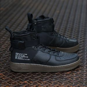Air Force 1 mid SF dark hazel